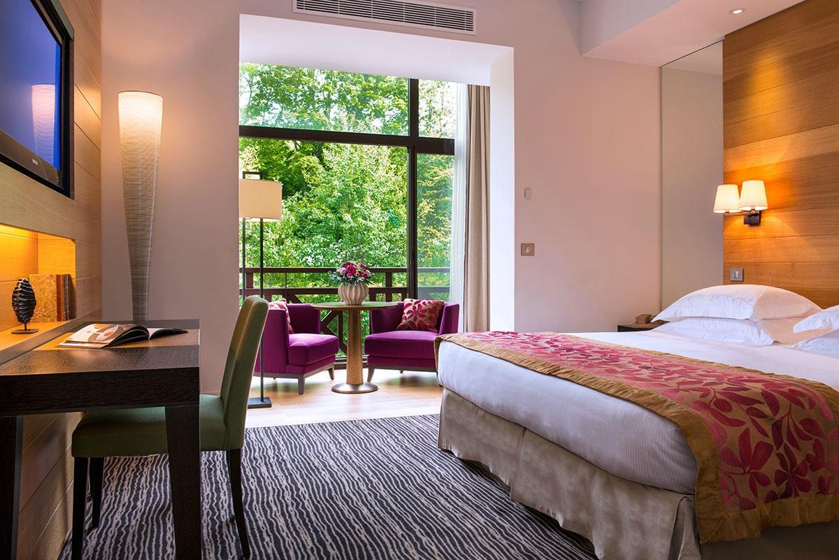 Hotel Ermitage Evian bedroom