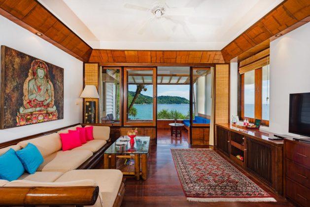Mom Tri Villa bedroom 2