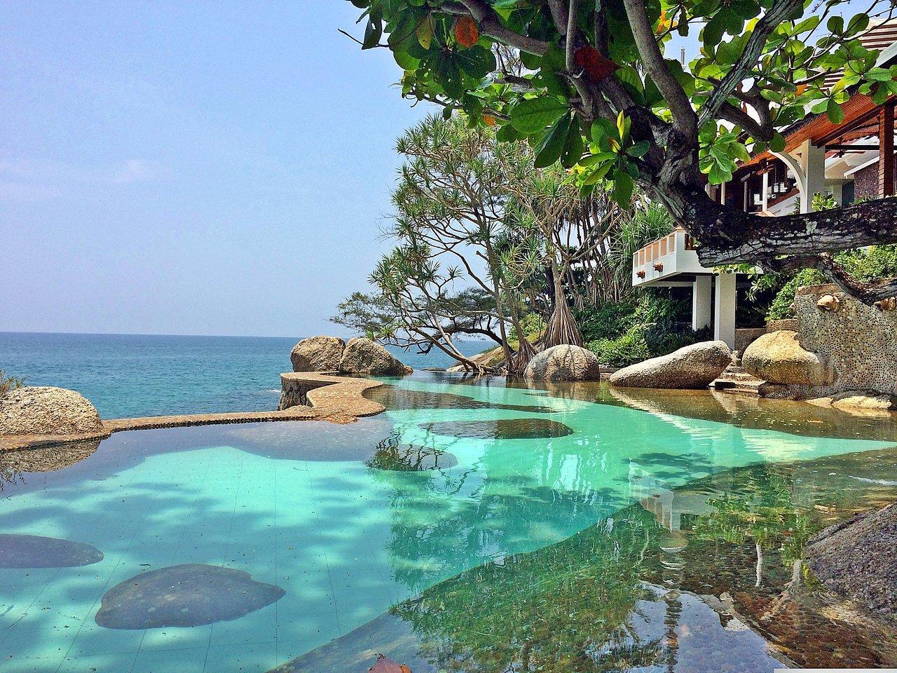 Mom Tri Villa outdoor pool