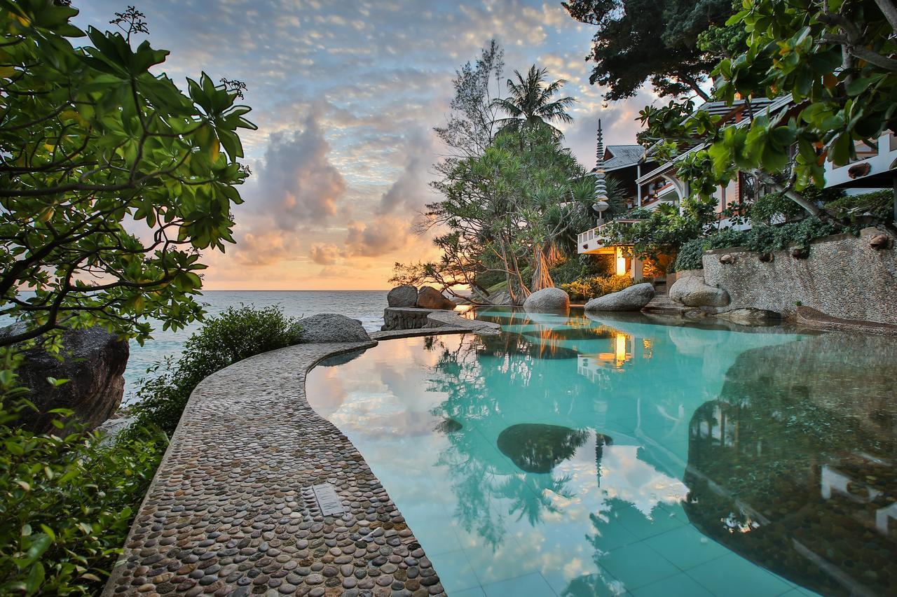 Mom Tri Villa sunset pool